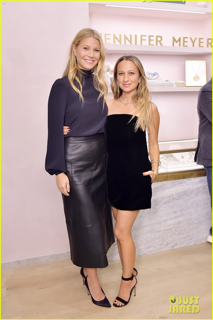 gwyneth paltrow reese witherspoon more help jennifer meyer celebrate first store opening 034166518