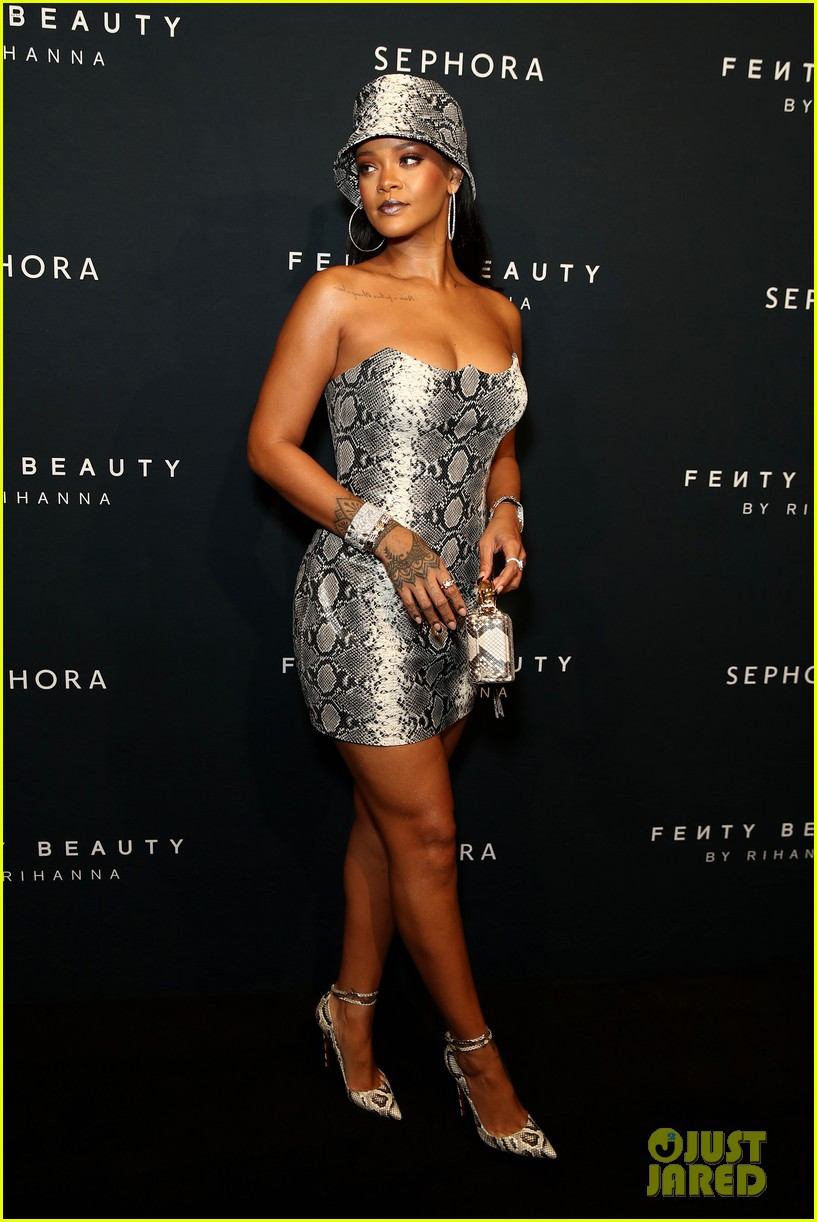 rihanna celebrates fenty beauty one year anniversary in australia 014157947