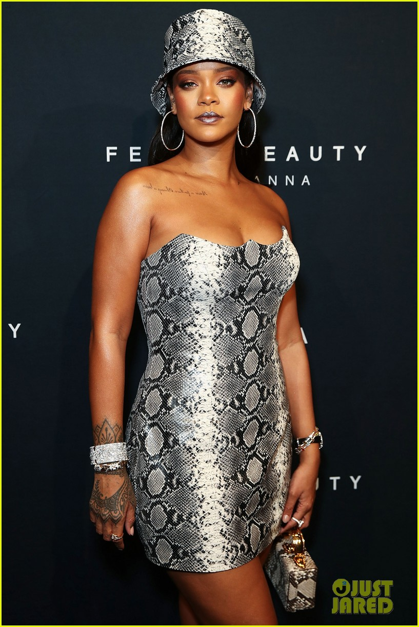 rihanna celebrates fenty beauty one year anniversary in australia 044157950