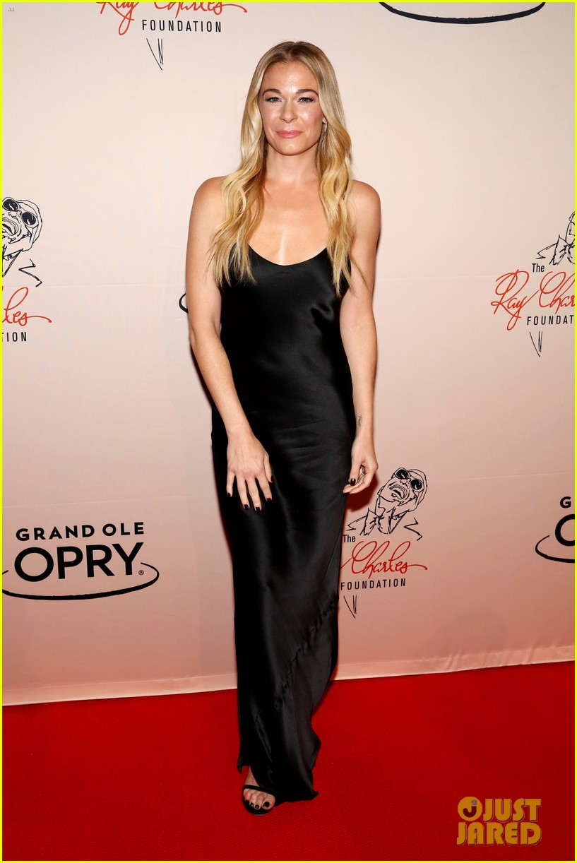 leann rimes gets support from husband eddie cibrian at opry salute to ray charles 124161381