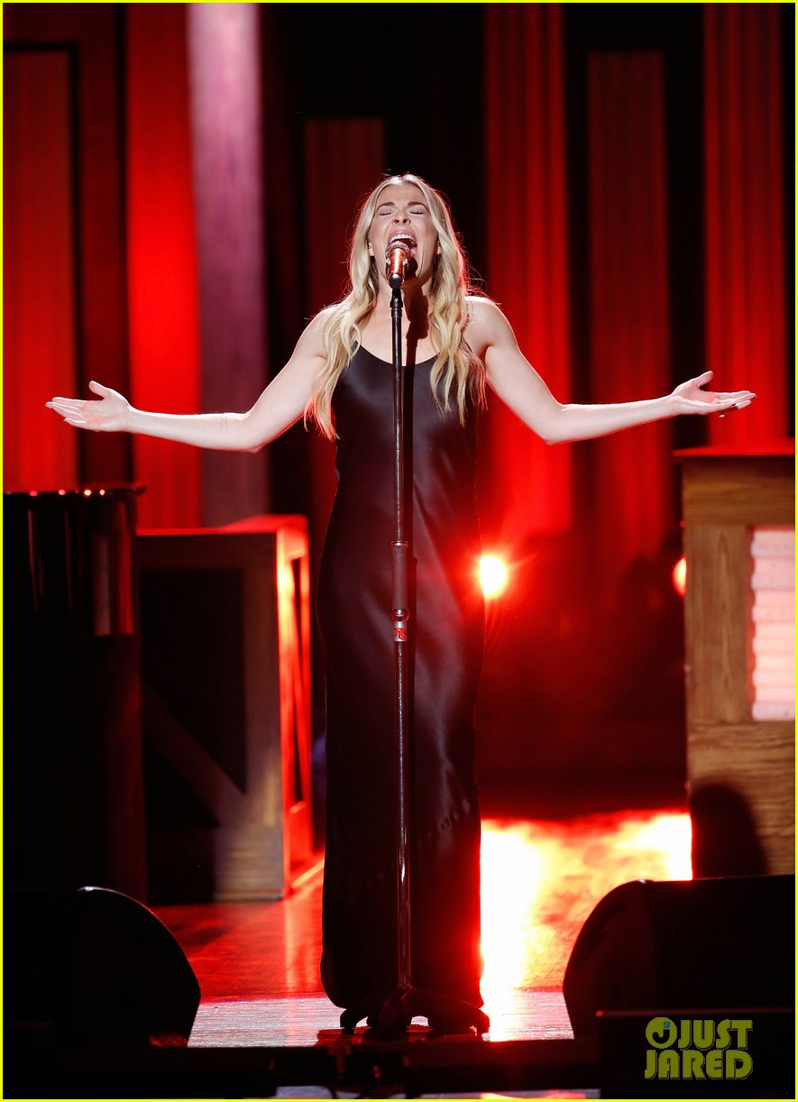 leann rimes gets support from husband eddie cibrian at opry salute to ray charles 16