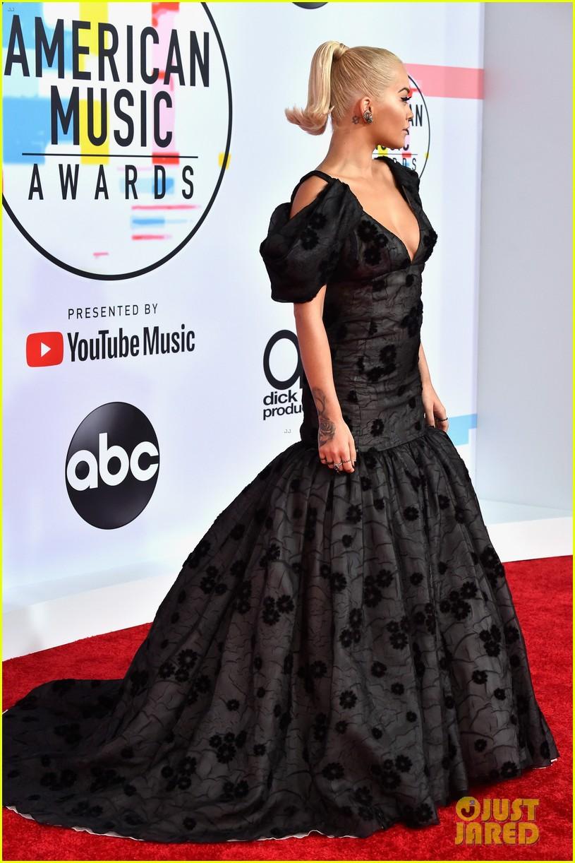 Rita Ora Hits the Red Carpet at American Music Awards 2018 ...