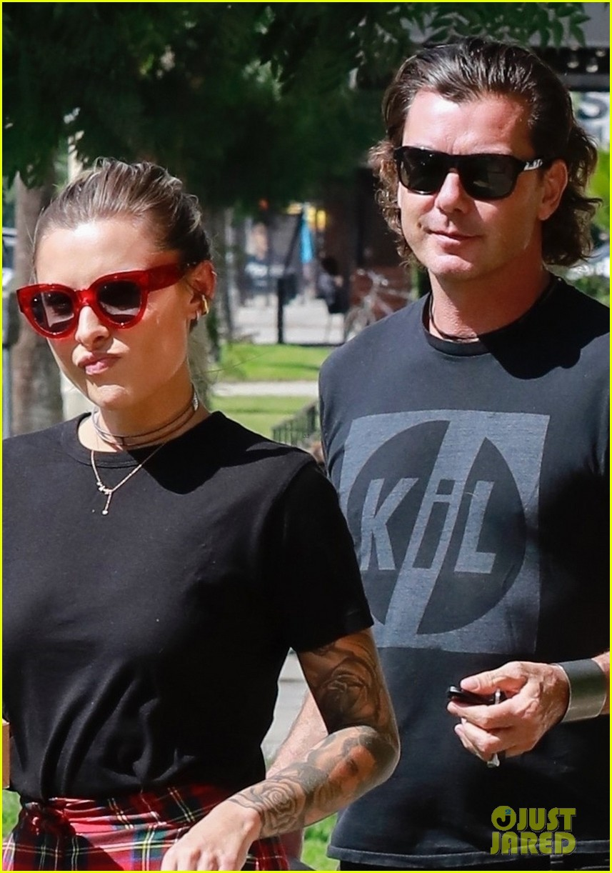 gavin rossdale sophia thomalla step out for lunch 044162871