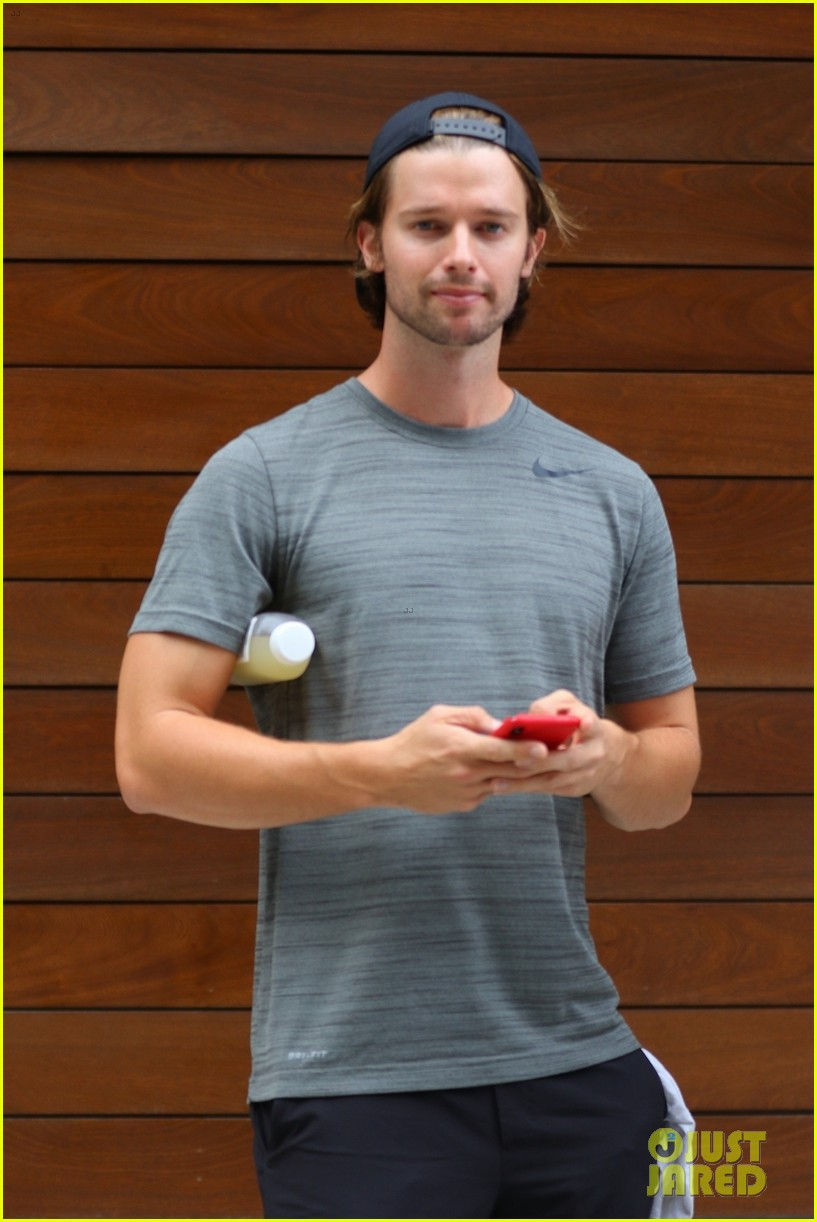 patrick schwarzenegger shows off his muscles the gym05
