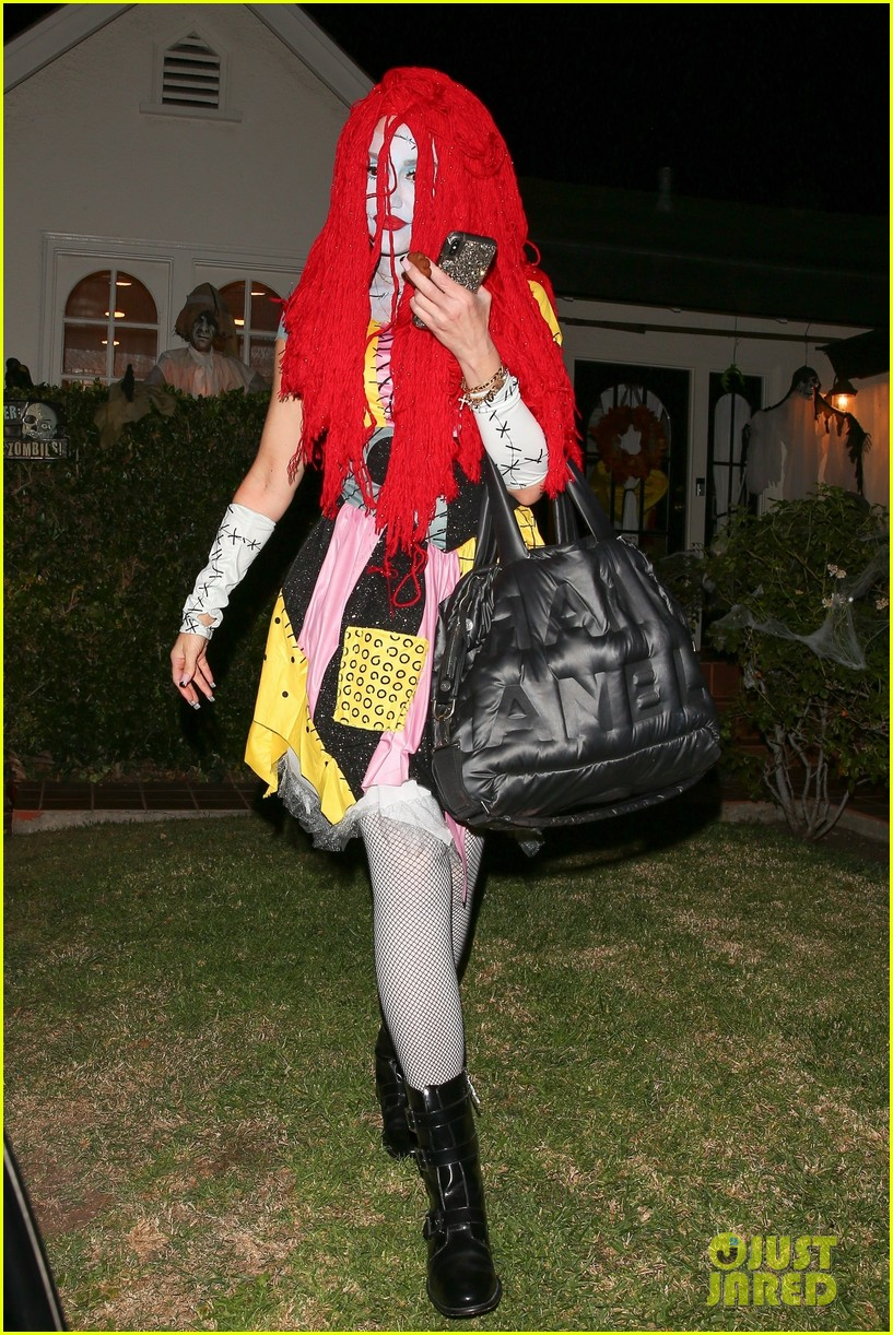 Gwen Stefani Goes All Out For First Halloween 2018 Look Of
