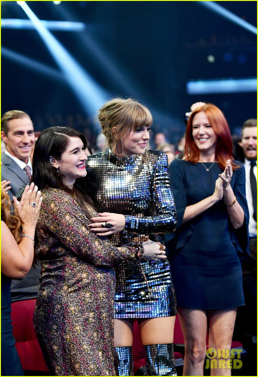 taylor swift amas date claire winter 054162026