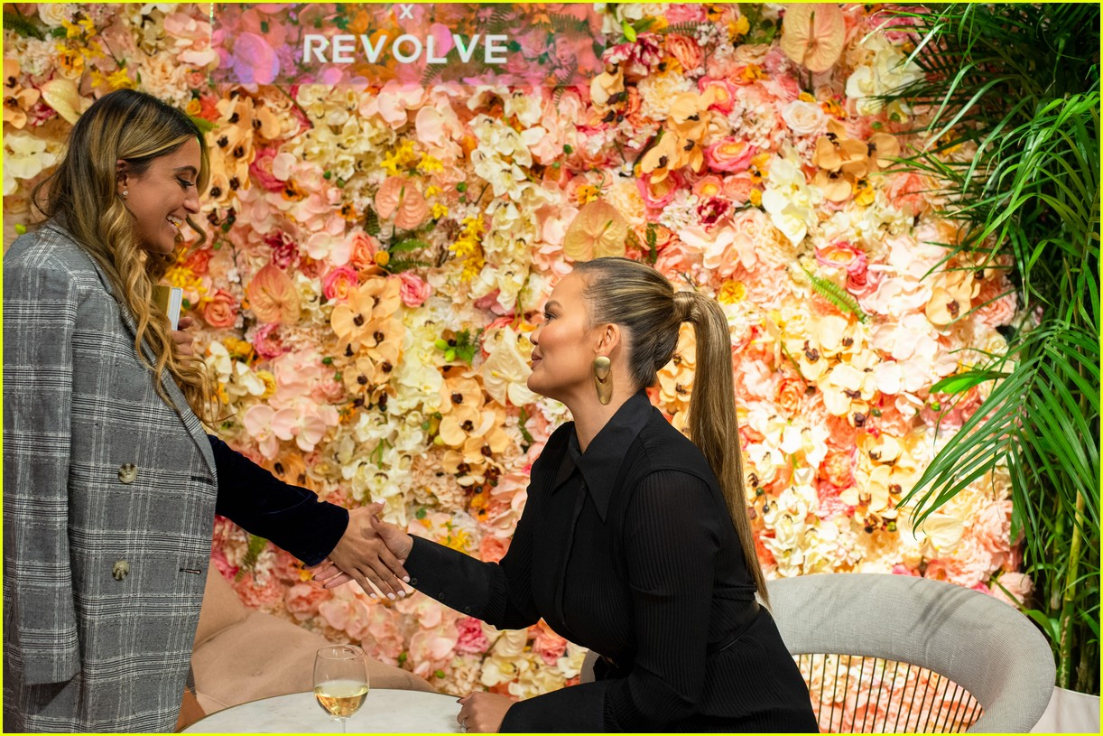 chrissy teigen shows off her revolve collection at nyc pop up174169993