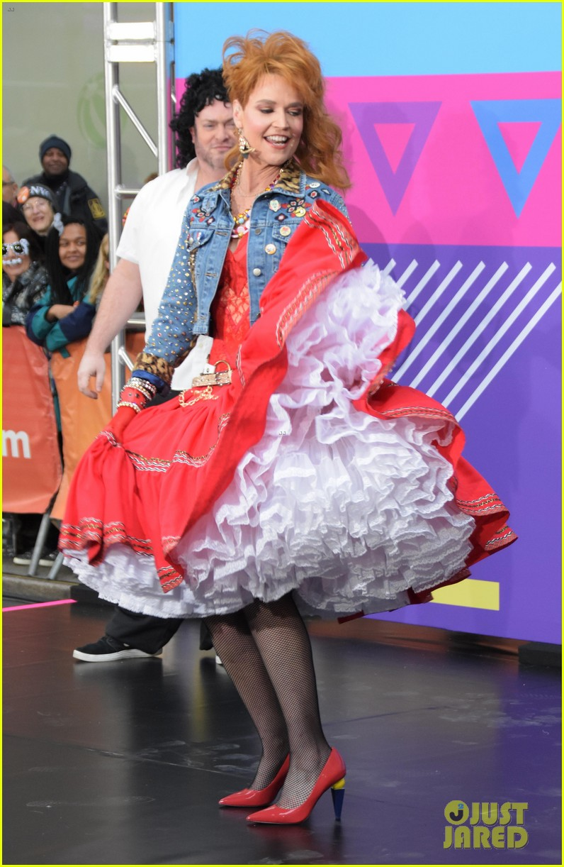 today show hosts show off their 80s inspired halloween costumes 144173870