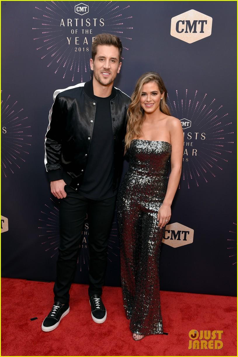 Pregnant Carrie Underwood Miranda Lambert Amp More Get