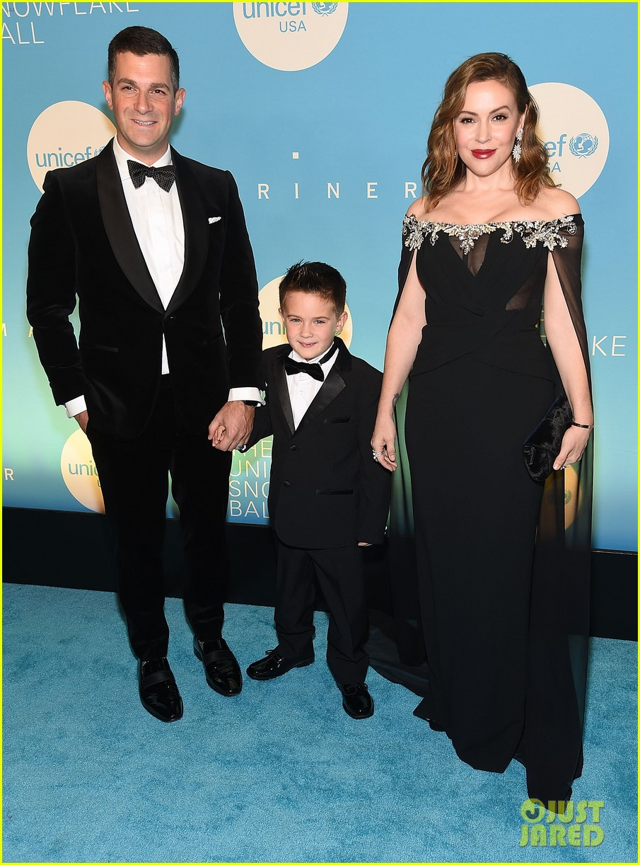 alyssa milano is joined by husband dave bugliari son milo at unicef snowflake ball 034188821