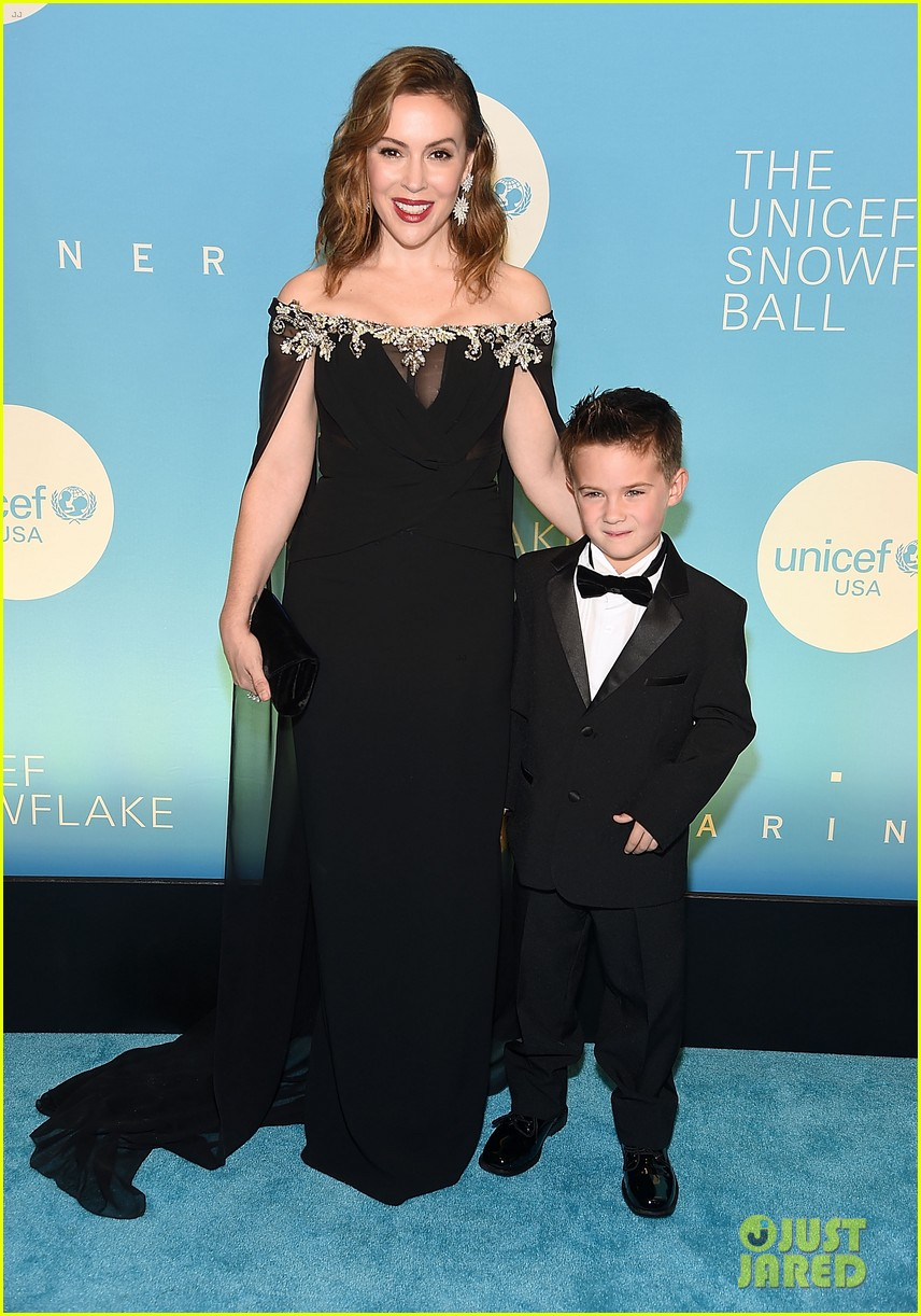 alyssa milano is joined by husband dave bugliari son milo at unicef snowflake ball 094188827