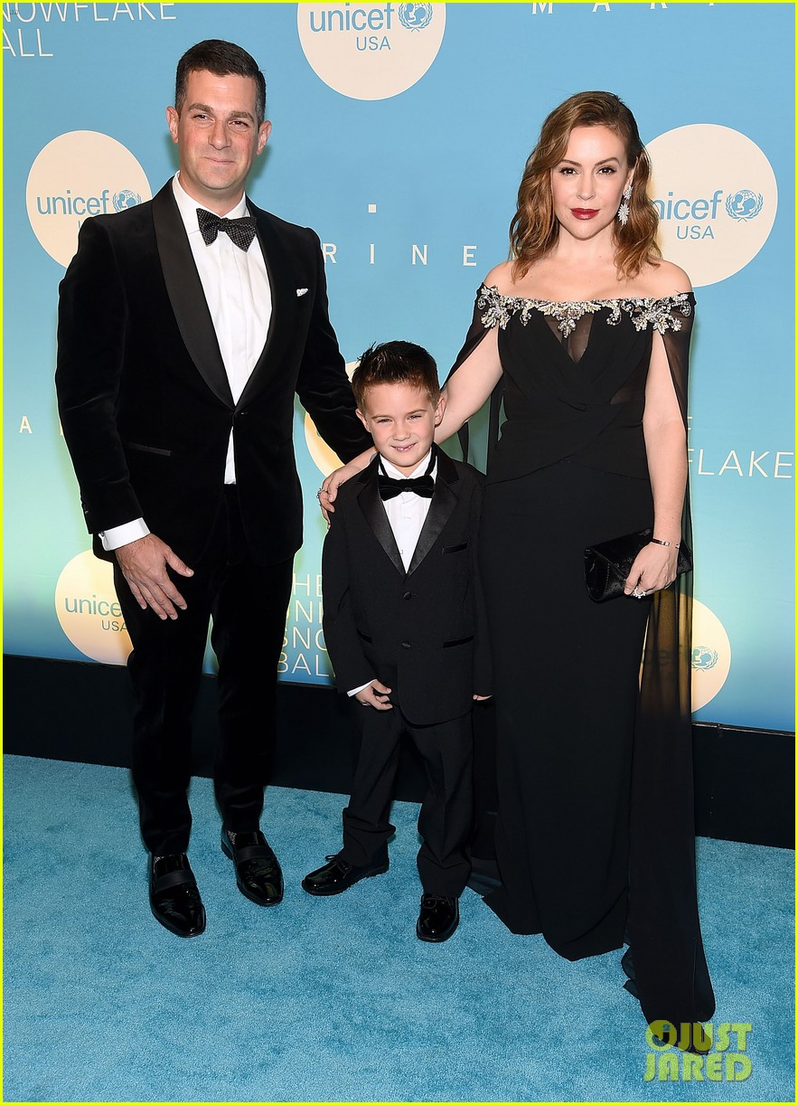 alyssa milano is joined by husband dave bugliari son milo at unicef snowflake ball 144188832