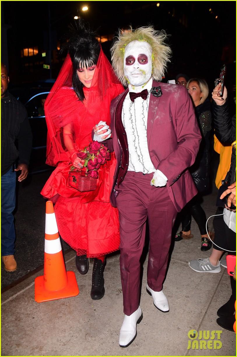 Seperti ini penampilan Bella Hadid dan The Weeknd saat ikut rayakan Halloween (dok. Just Jared)