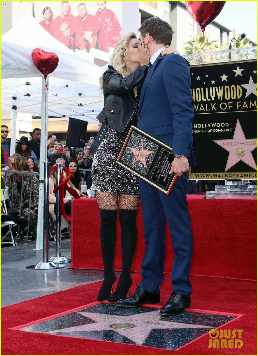 michael buble gets his star at hollywood walk of fame ceremony 034183813