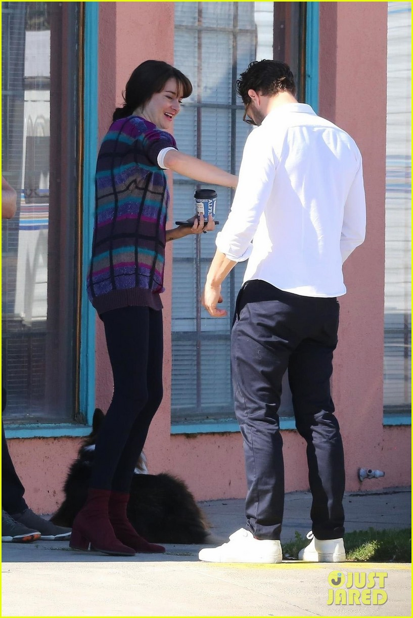 jamie dornan shailene woodley hang out break 014188723