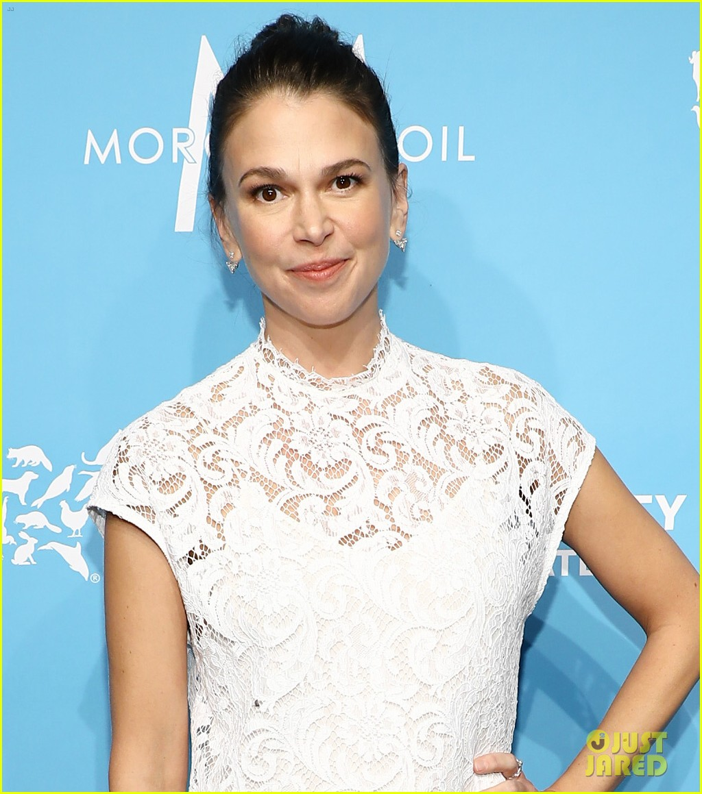 sutton foster humane society gala ted griffin 024180885