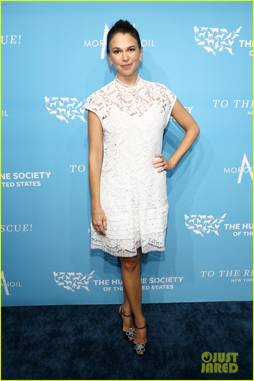 sutton foster humane society gala ted griffin 054180887