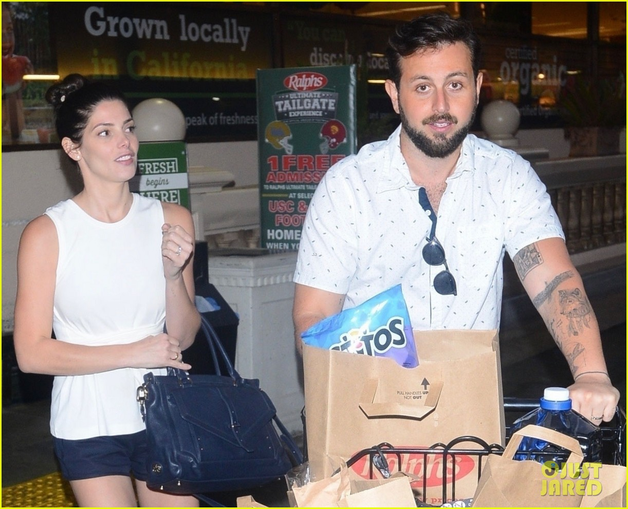 ashley greene and husband paul khoury are all smiles while grocery shopping 02