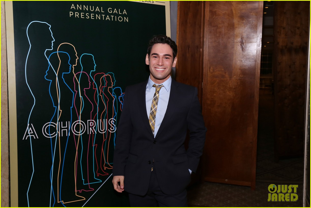 jake gyllenhaal sutton foster more step out for nyc centers a chorus line gala 334182859