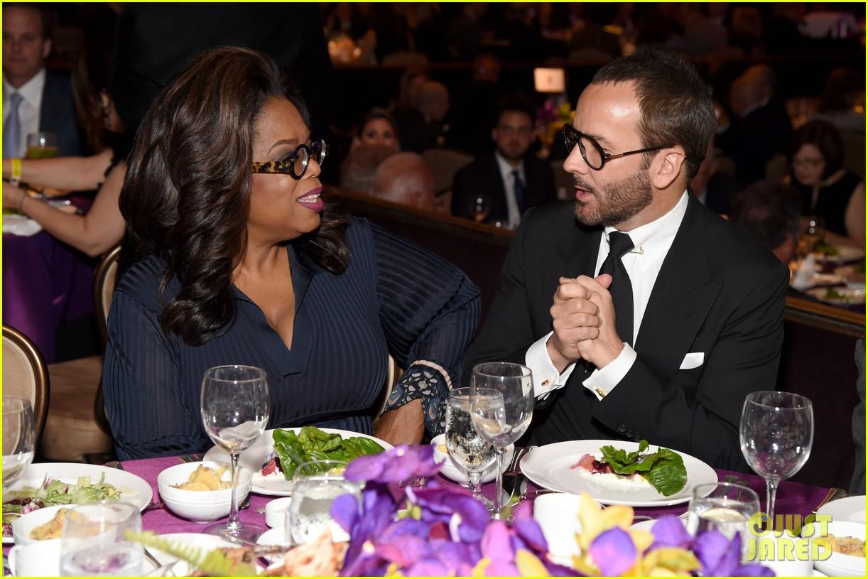 oprah helps honor tom hanks rita wilson at ambassadors for humanity gala 034176709
