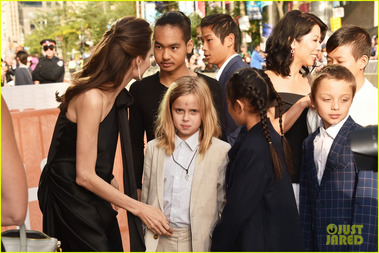 angelina jolie son maddox checking colleges 044174731