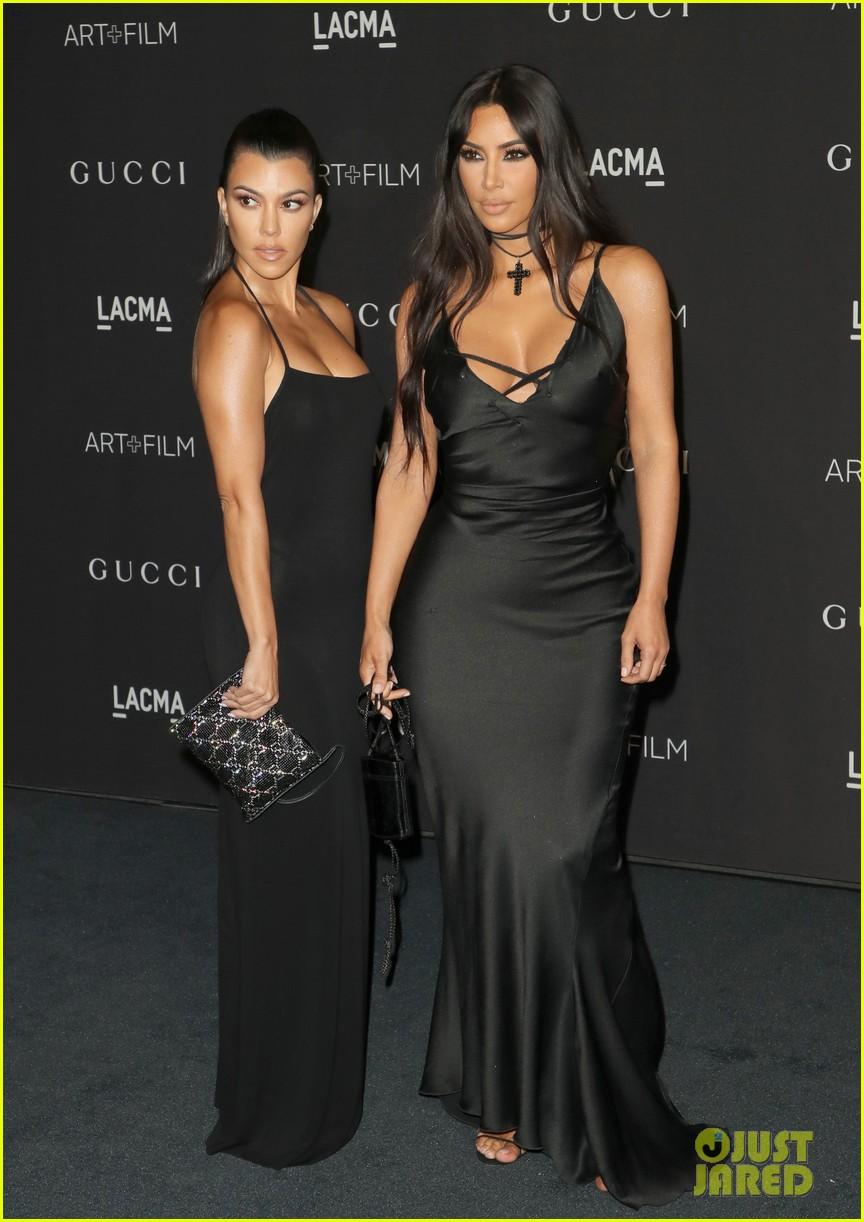 kim kourtney kardashian slay the black carpet at lacma 014175004