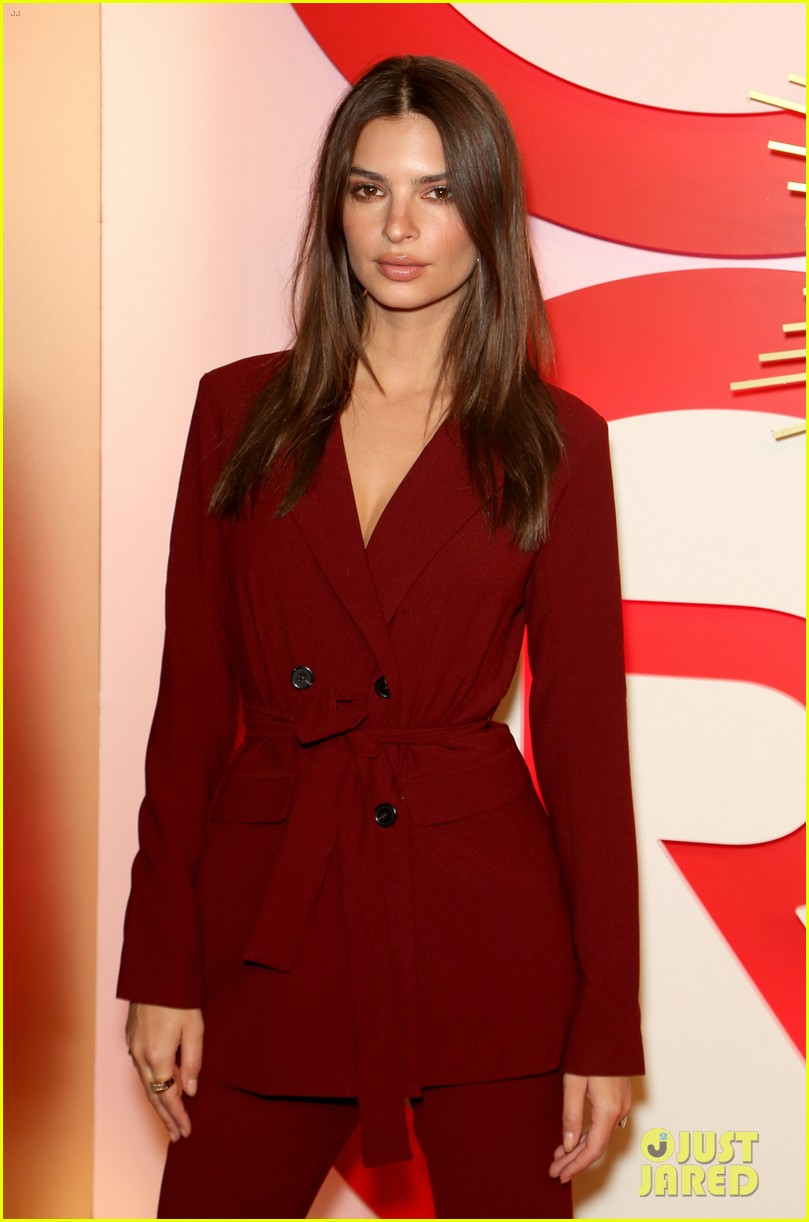 kendall jenner icon of the year revolve awards 2018 23
