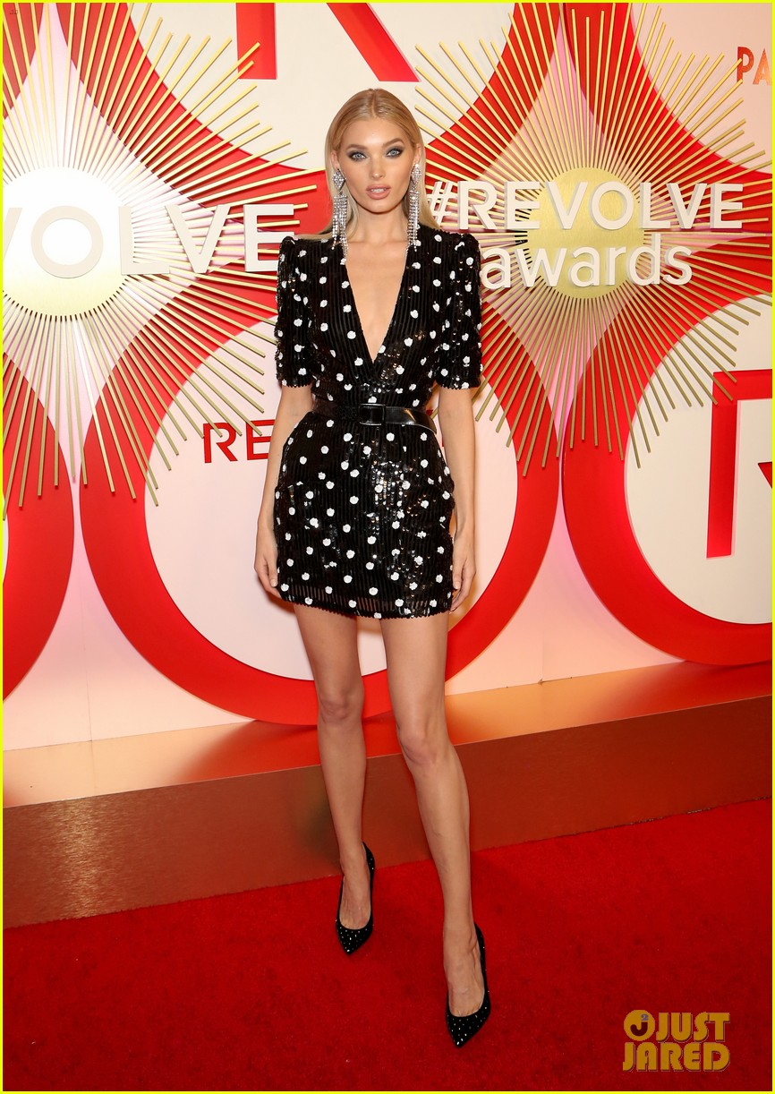 kendall jenner icon of the year revolve awards 2018 244179411