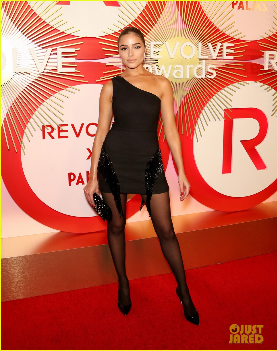 kendall jenner icon of the year revolve awards 2018 324179419