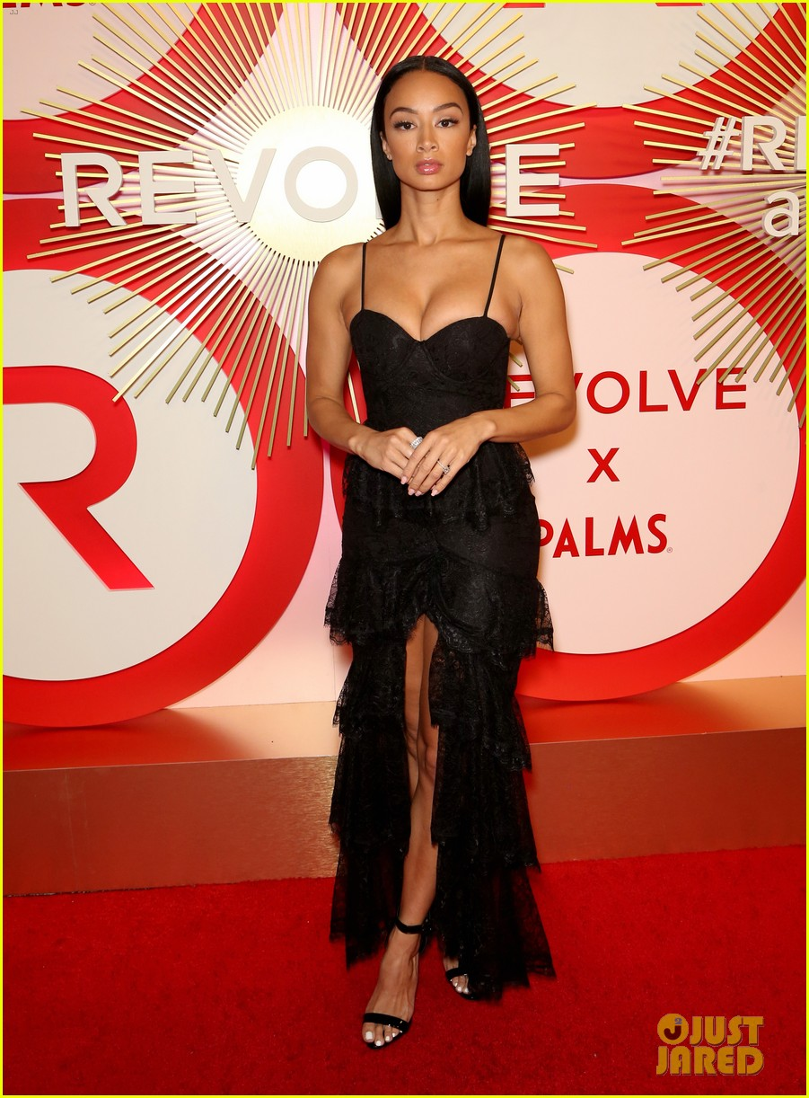 kendall jenner icon of the year revolve awards 2018 454179432