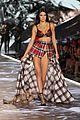 kendall jenner victorias secret fashion show 25