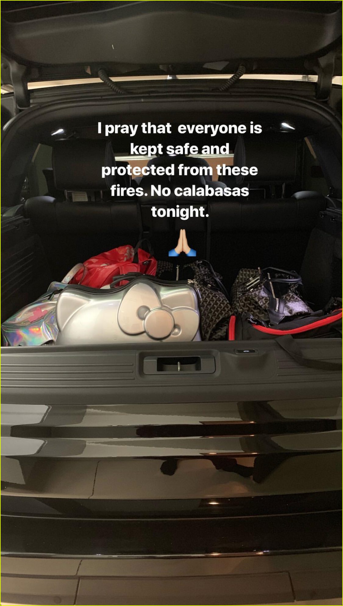 kim kardashian forced to evacuate home due to wildfires in calabasas 054178693