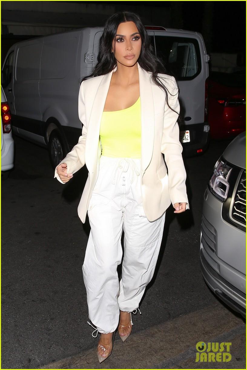kim kardashian neon night out 014177390