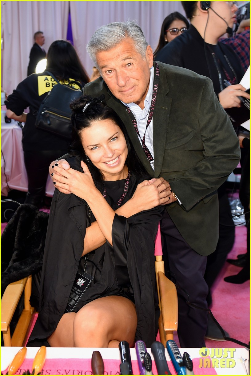 Adriana Lima Is Retiring from Victoria's Secret, Says ...