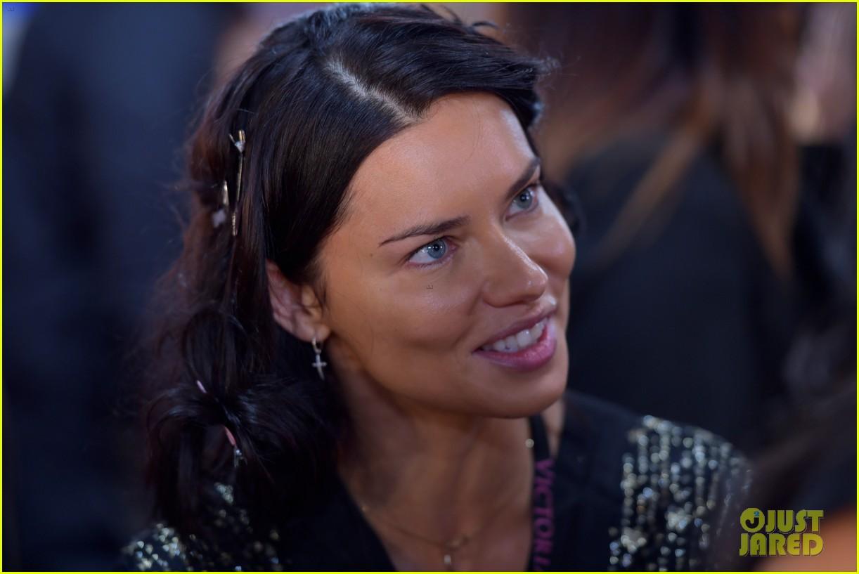 adriana lima retiring from victorias secret 154178056