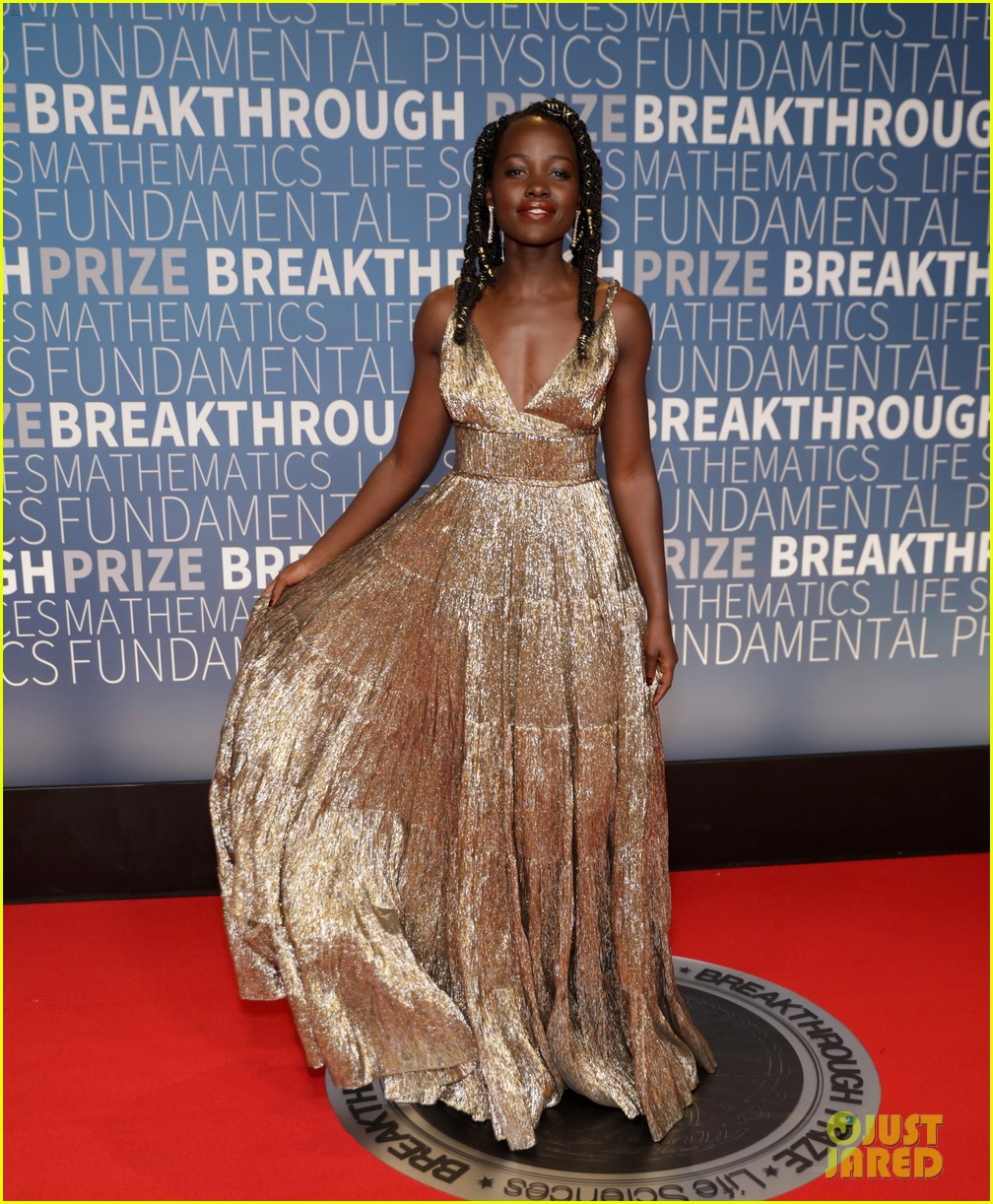 lupita nyongo eddie redmayne julianne moore breakthrough prize 06