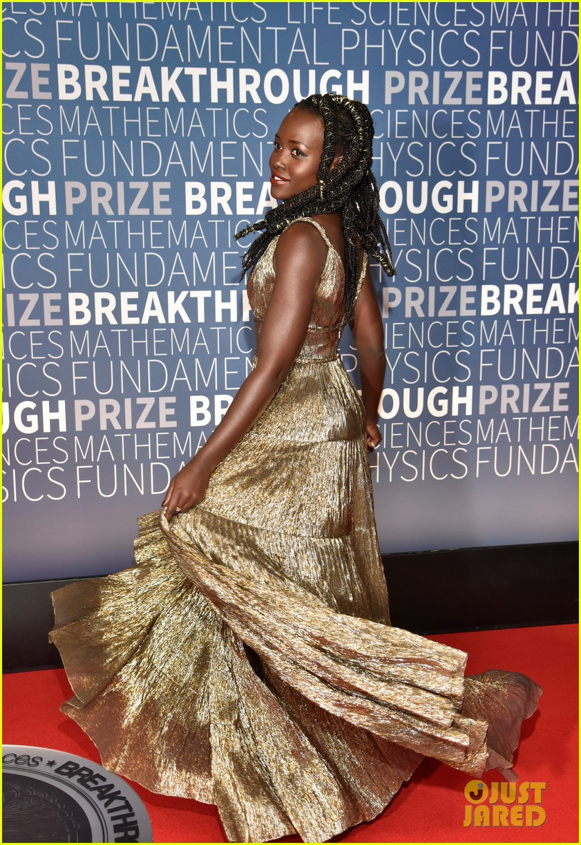 lupita nyongo eddie redmayne julianne moore breakthrough prize 16