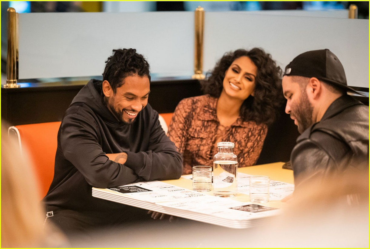 miguel celebrates easys opening beverly center launch 014174691