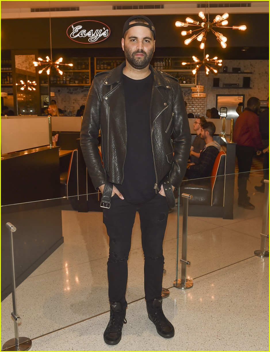 miguel celebrates easys opening beverly center launch 074174697