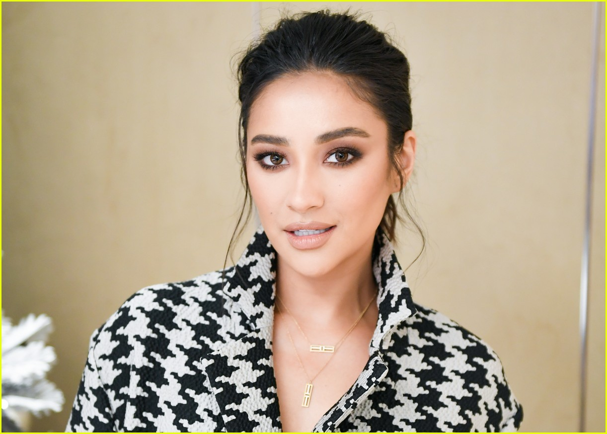 shay mitchell and rowan blanchard have girls night in with tiffany and co 344190546