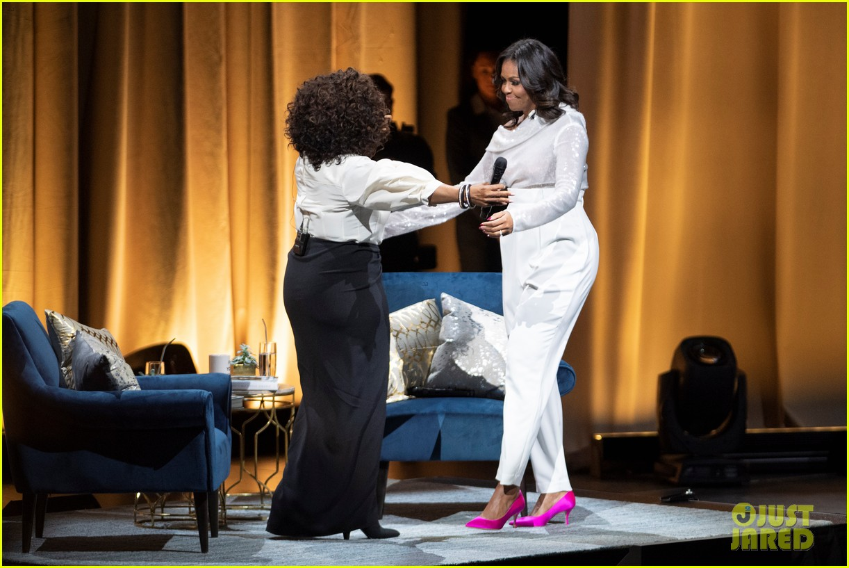 Michelle Obama Launches Book Tour in Chicago with Oprah ...