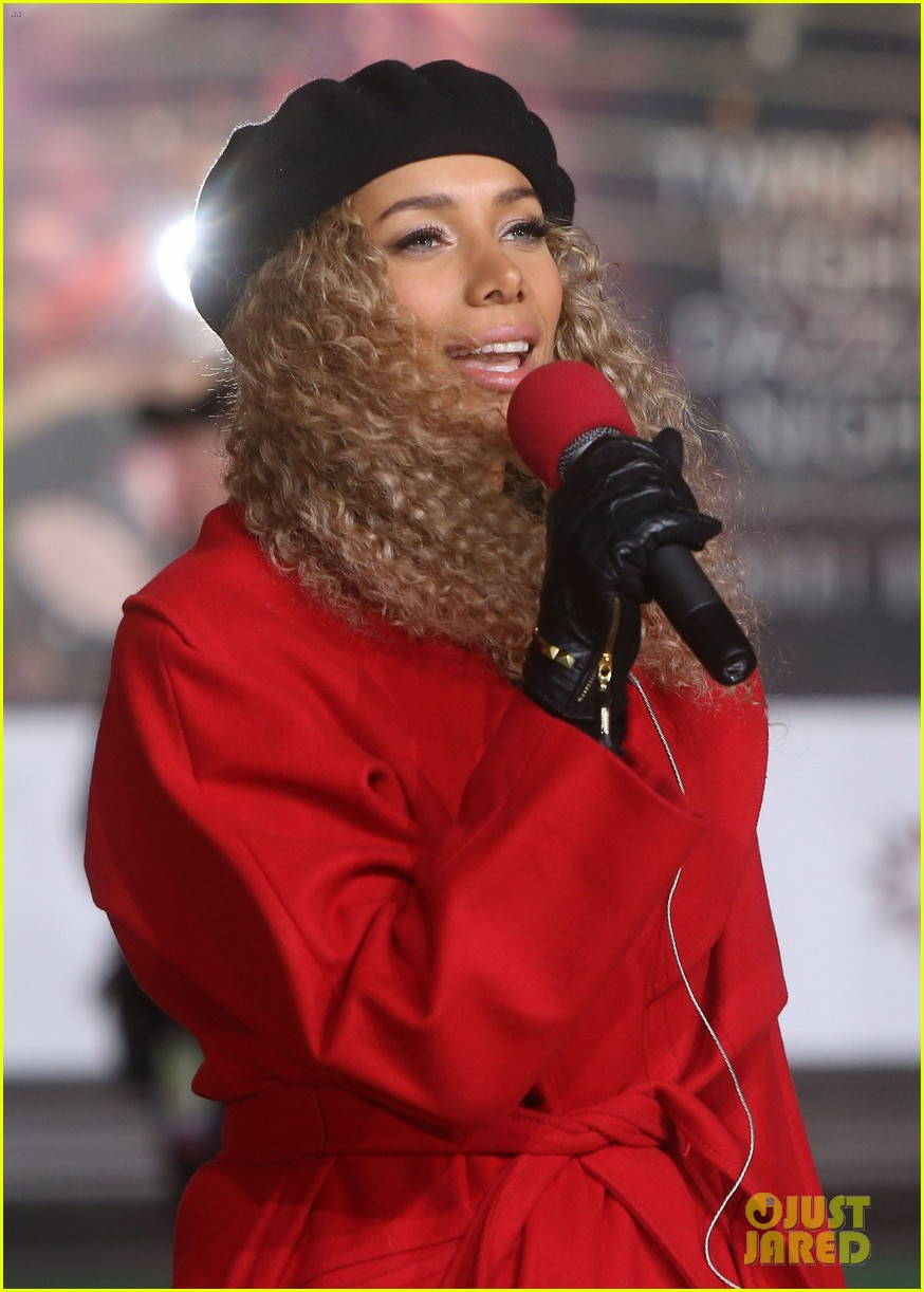 rita ora kane brown leona lewis more prep at macys thanksgiving parade 09
