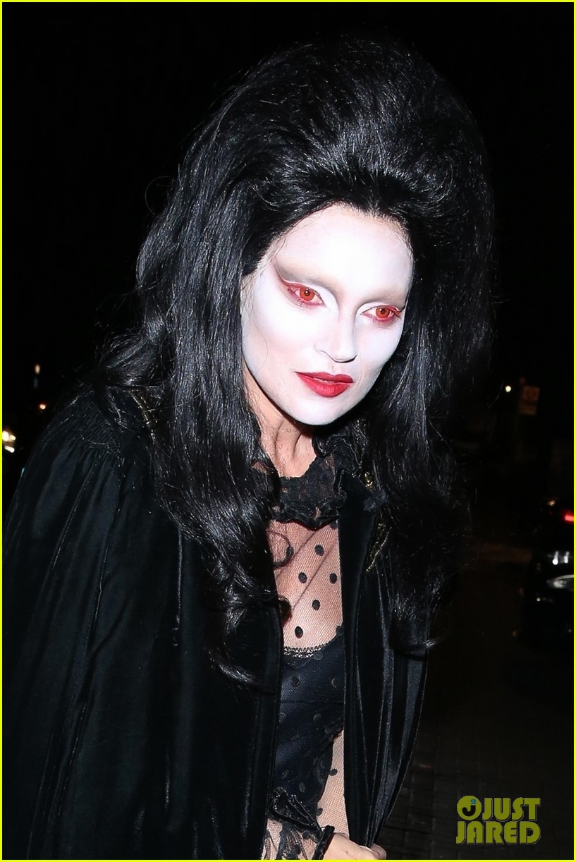 rita ora channels cher in witches of eastwick at her star studded halloween bash 054174023