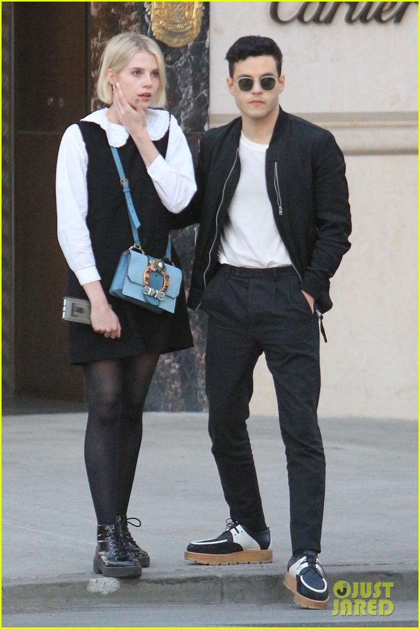 Rami Malek Amp Girlfriend Lucy Boynton Have A Day Date On