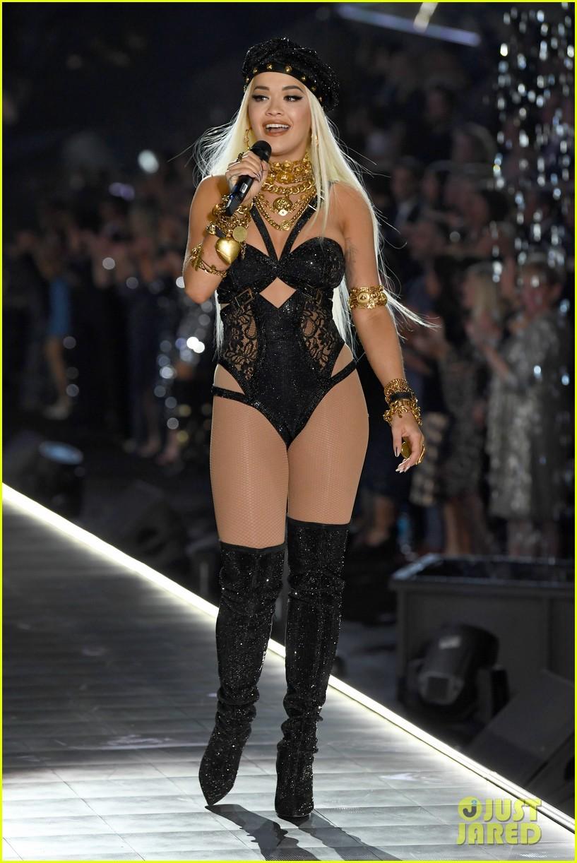 rita ora beb rexha hit the stage for victorias secret fashion show performances 014178350