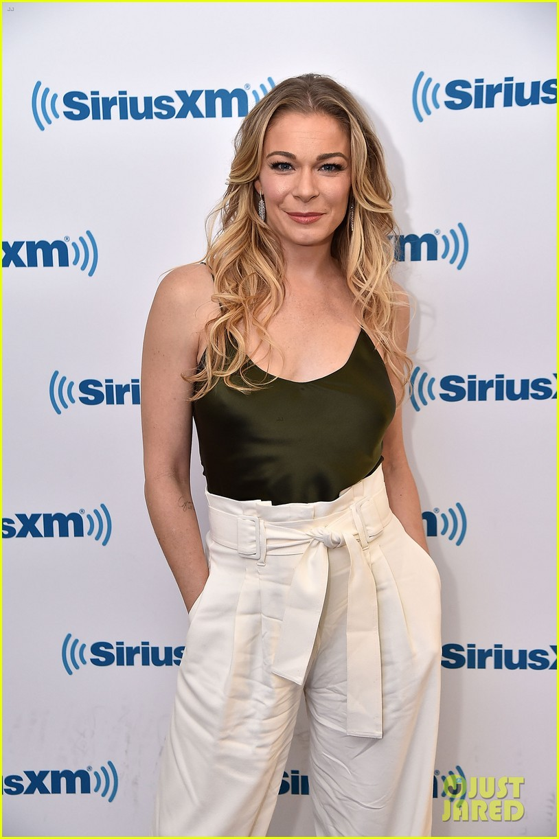 leann rimes reveals she actually met hubby eddie cibrian years before she thought 04