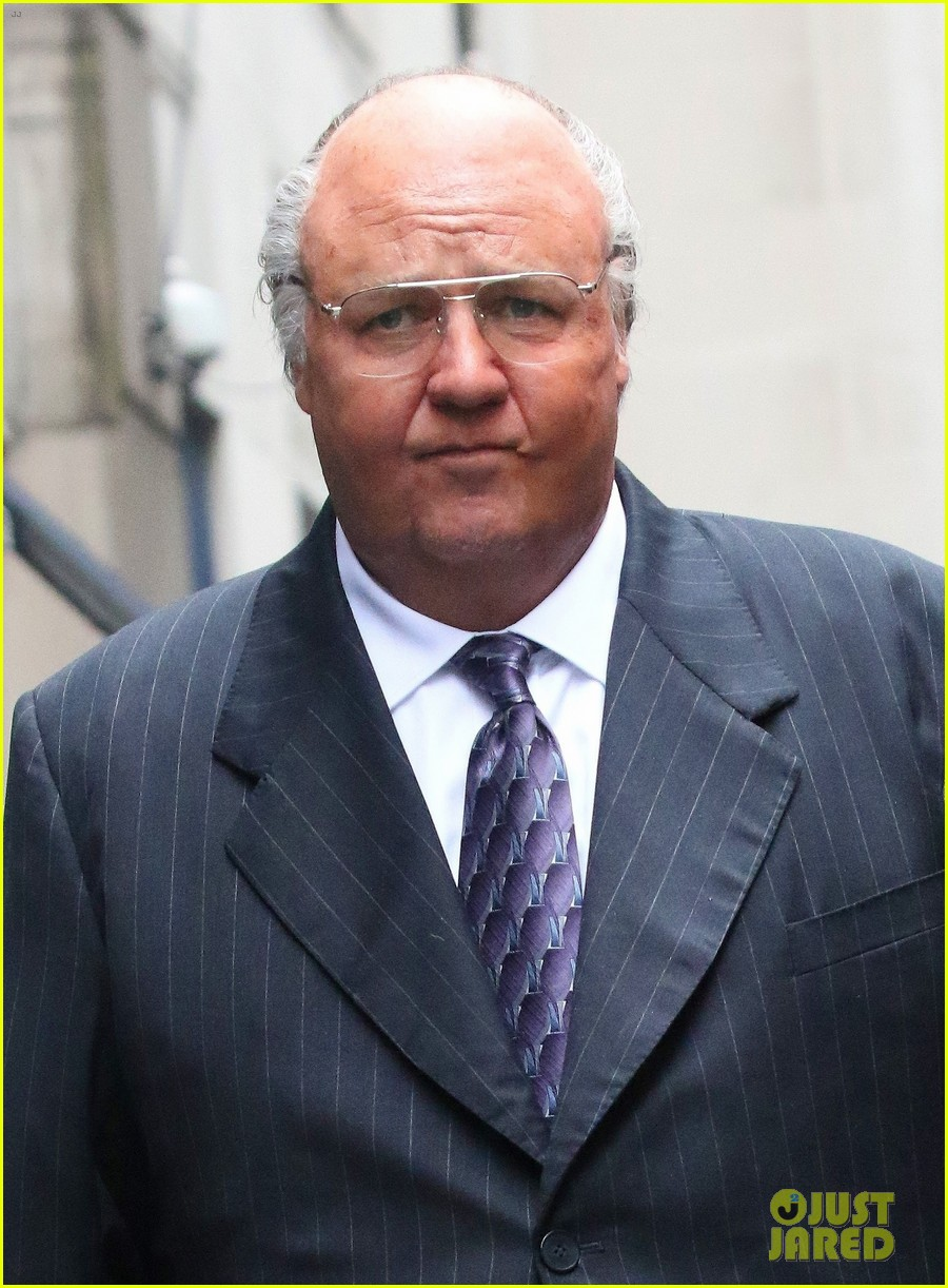 Russell Crowe Transforms Into Roger Ailes For Upcoming ...