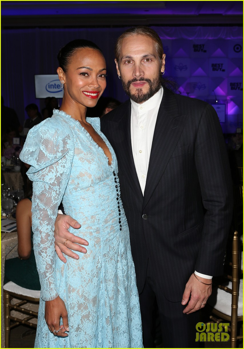 zoe saldana gets star studded support at eva longoria foundation dinner gala 974178985