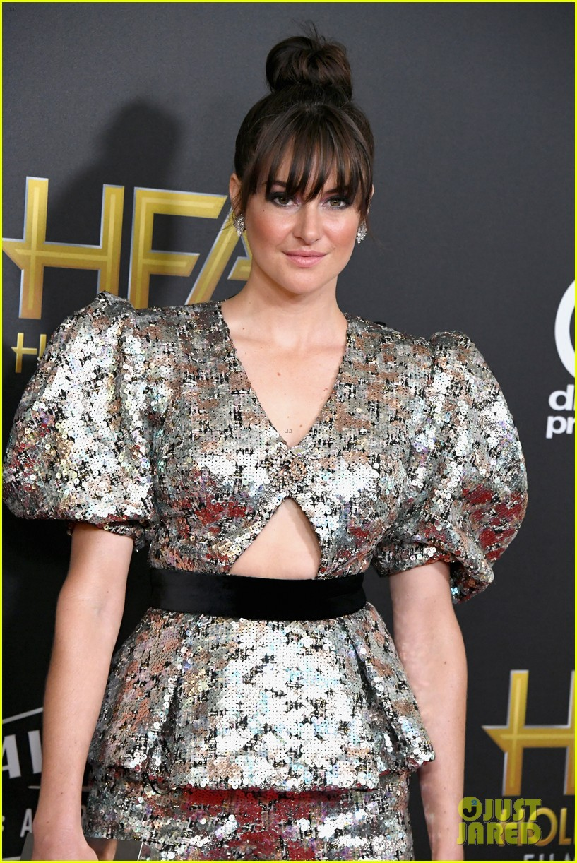 shailene woodley dazzles in metallic dress at hollywood film awards 2018 08