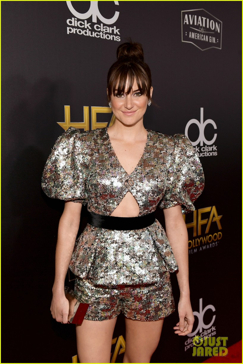 shailene woodley dazzles in metallic dress at hollywood film awards 2018 12